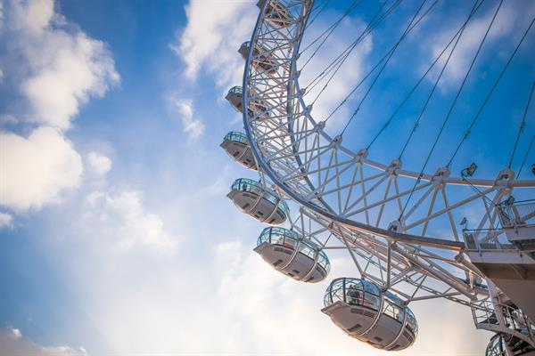 London U Susret Proljecu Putovanja Avionom Turisticka Agencija Top Travel D O O